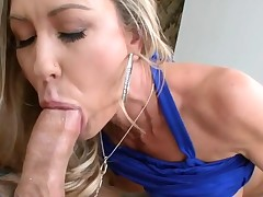 Pleasing darling pounds her twat with hard sextoy